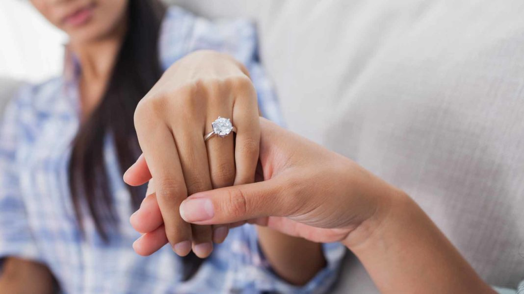 engagement ring woman
