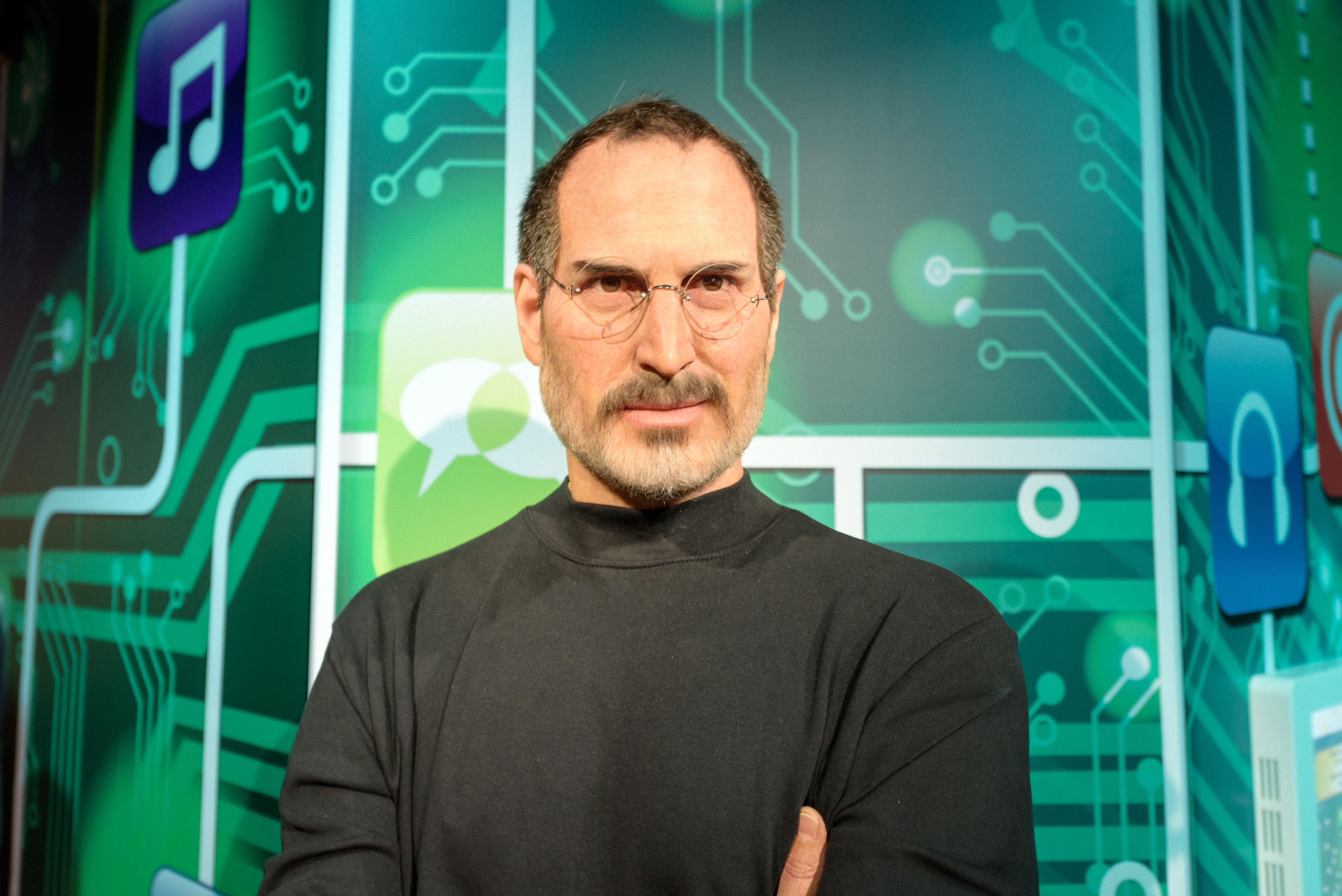 steve jobs at madame tussauds wax museum in istanbul