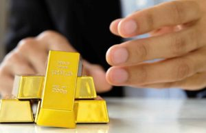4 Factors Affecting Historical & Future Gold Prices – Will It Go Up?