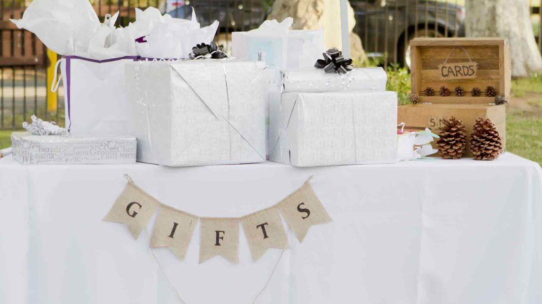 Tips For Wedding Gift Registry Ideas Etiquette Checklist