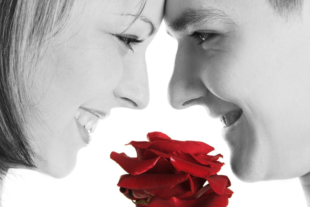 10 Romantic Inexpensive Gift Ideas For Your Girlfriend Or Wife