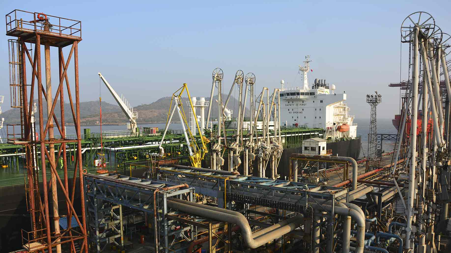 crude oil tanker loading terminal port