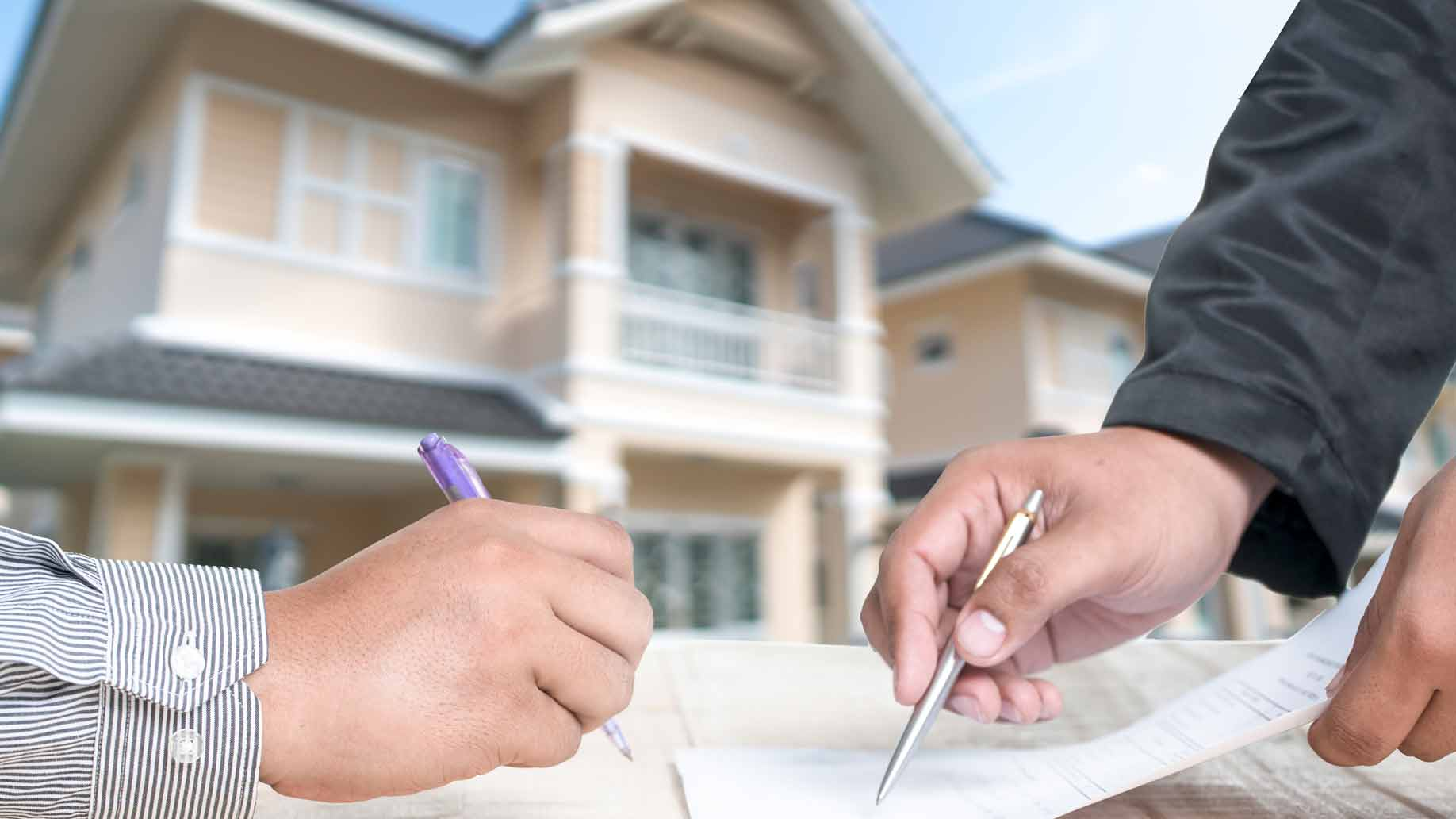 buying house signing contract