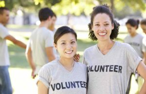 8 Ways to Volunteer Abroad for Free (or on the Cheap)