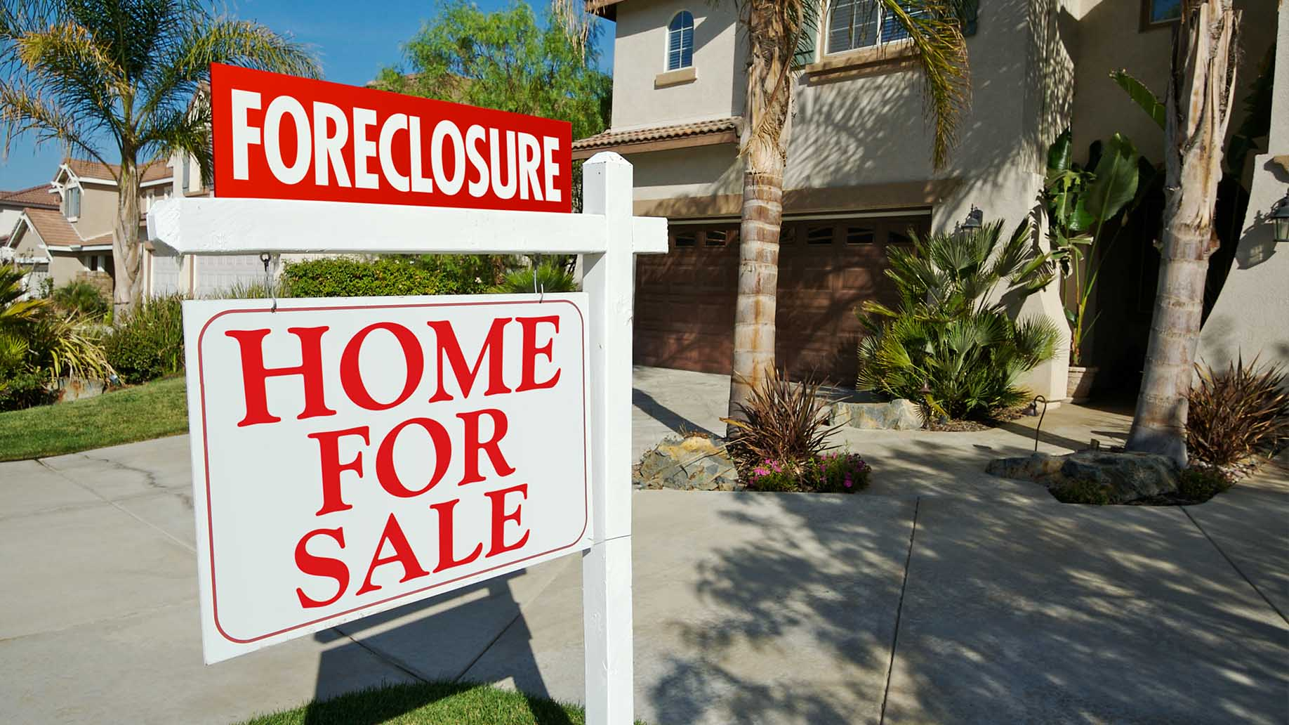 foreclosure sale real estate sign front