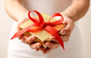 6 Ways to Handle Gift Giving on a Tight Budget