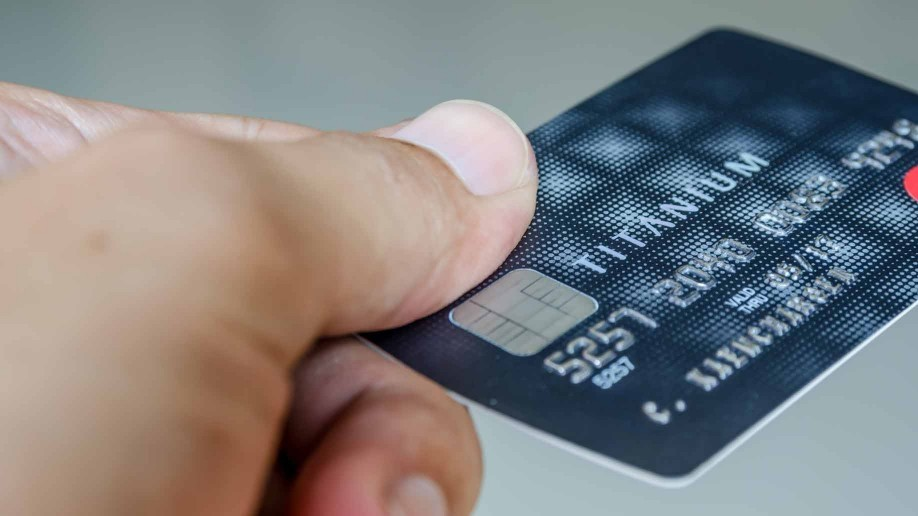 Advantages disadvantages of credit cards do they help or hurt you using a credit card reheart Image collections