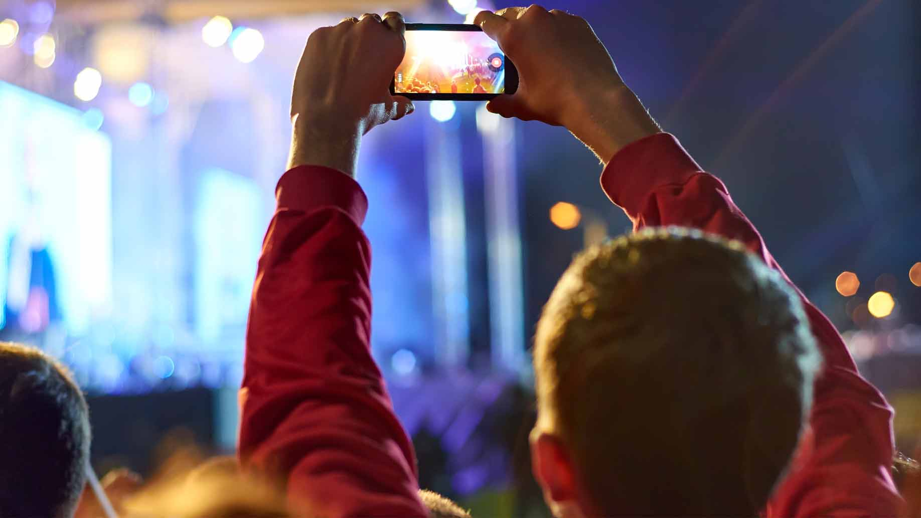 recording video at a concert with a smart phone