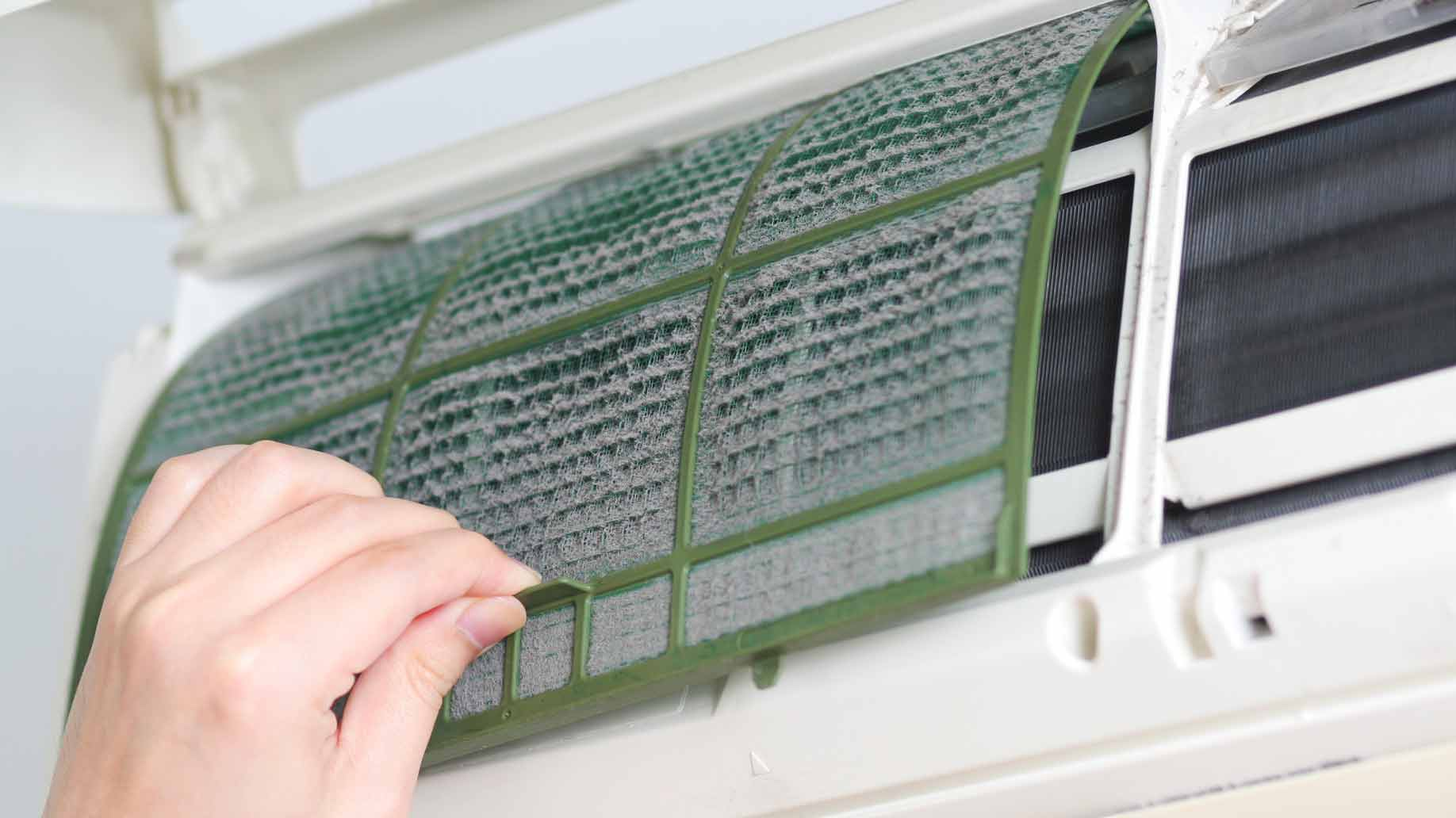 cleaning dirty air conditioning filter