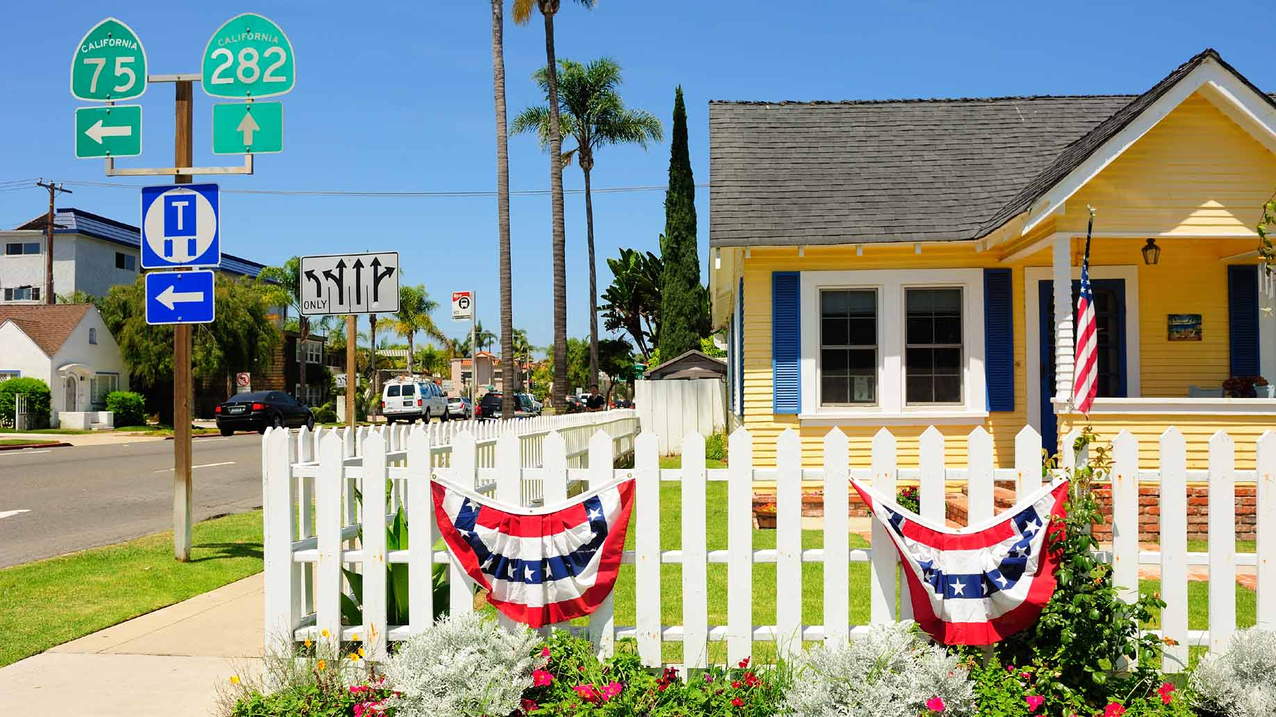 america house with bunting, photo by WaitForLight