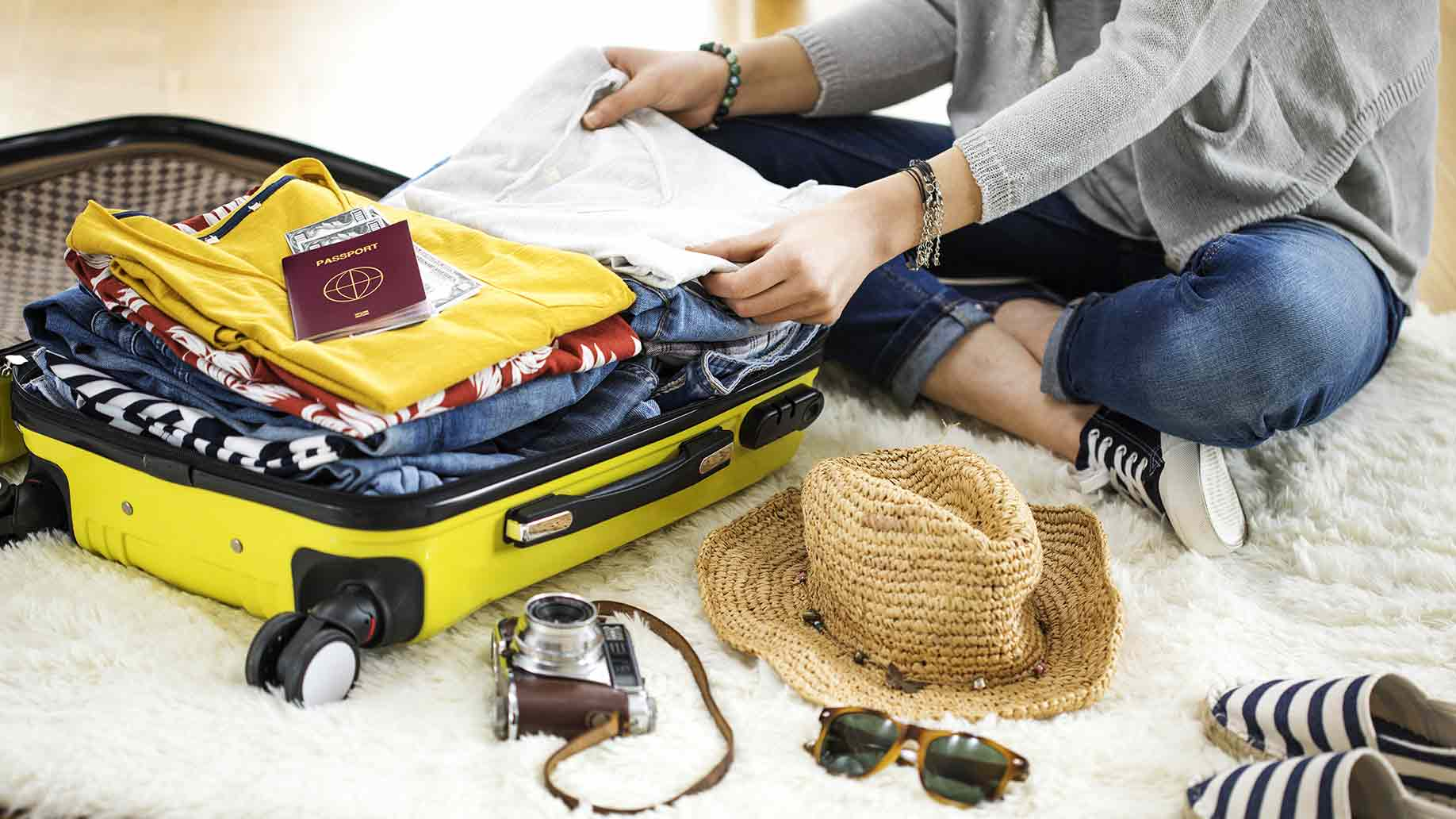 How To Travel Light With Just 1 Bag