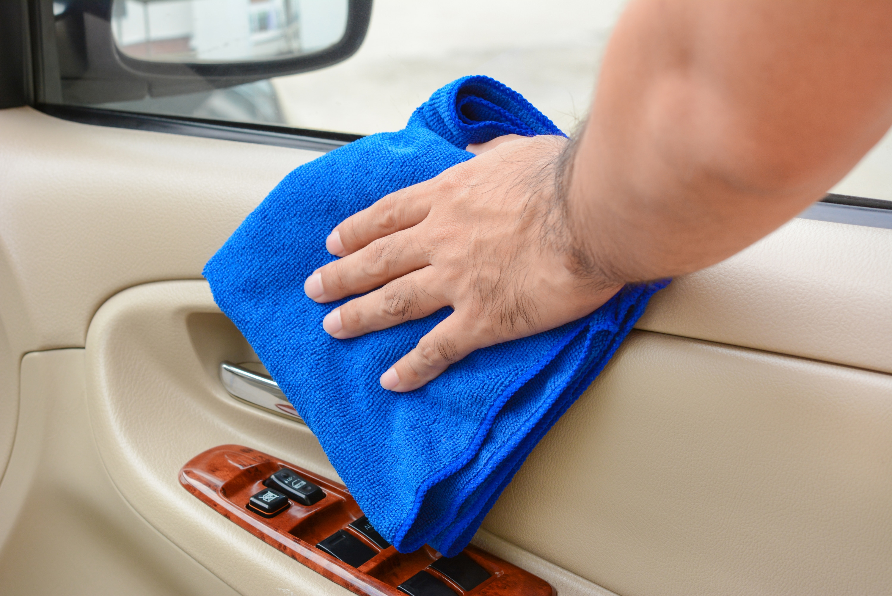 How To Clean Detail The Interior Of Your Car Best Tips